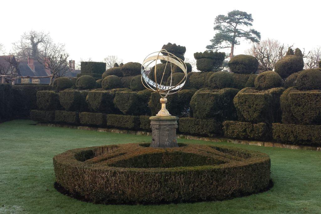 Topiary Chess Set